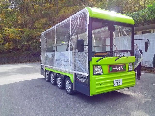 電気自動車が谷川岳ロープウェイから一ノ倉沢まで往復する撮影:山口和幸