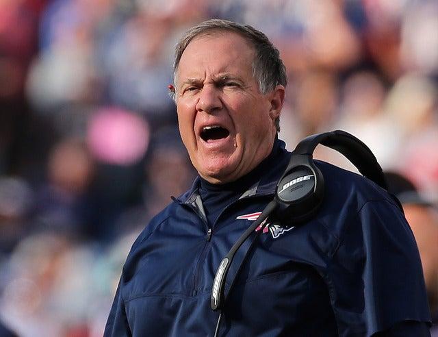 ニューイングランド・ペイトリオッツのビル・ベリチック・ヘッドコーチ 参考画像(2016年10月30日)(c) Getty Images