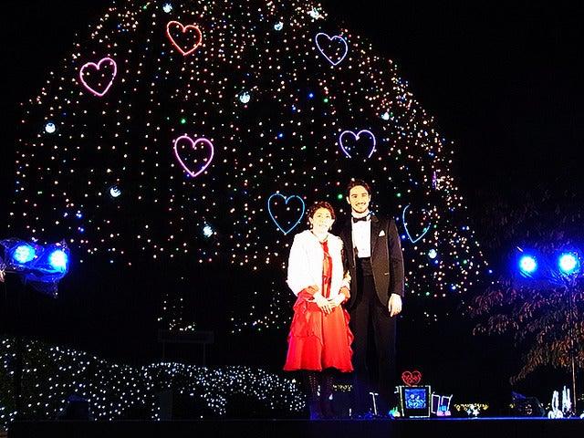 中山競馬場クリスマスイルミネーション初日イベントに登壇した吉田沙保里(11月27日)《撮影 大野雅人(Gazin Airlines)》