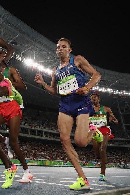 リオデジャネイロ五輪男子1万mを走るゲーレン・ラップ(2016年8月13日)(c) Getty Images