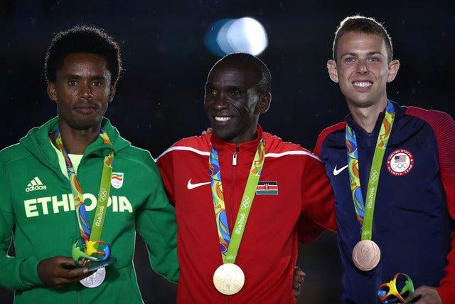 リオデジャネイロ五輪男子マラソンでゲーレン・ラップ(右)が銅メダル(2016年8月21日)(c) Getty Images
