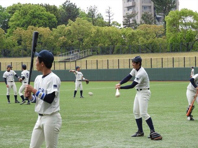 愛知大の試合前のトス打撃撮影:手束仁