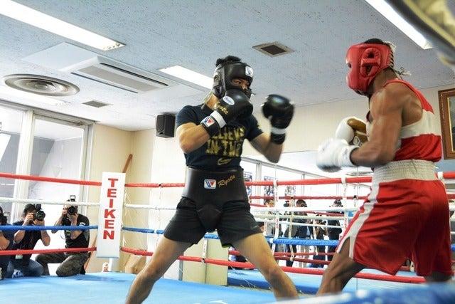 世界タイトルマッチに備えて帝拳ジムでトレーニングをする村田諒太撮影:大日方航