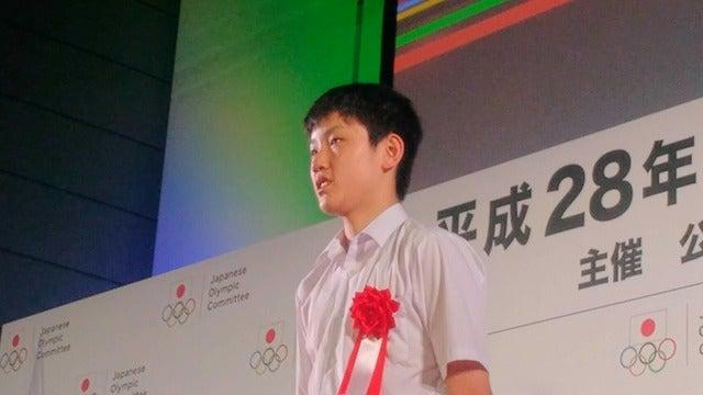 『平成28年度JOCスポーツ賞表彰式』が、6月9日に東京国際フォーラムで開催された。昨年12月、卓球の世界ジュニア選手権男子シングルスを史上最年少で制した張本智和選手が新人賞に輝いた。撮影者:大日方航
