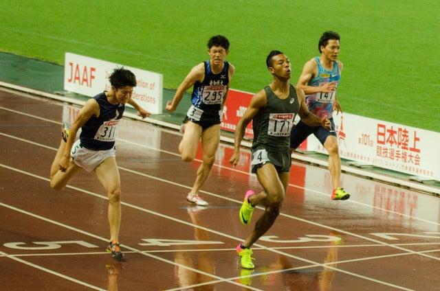 第101回日本陸上競技選手権大会、男子100m決勝でサニブラウン・ハキームが初優勝(2017年6月24日)撮影:五味渕秀行