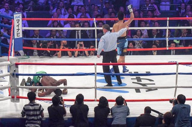 WBA世界ミドル級王座決定戦、4回に村田諒太がアッサン・エンダムをダウンさせるが…(2017年5月20日)撮影:五味渕秀行