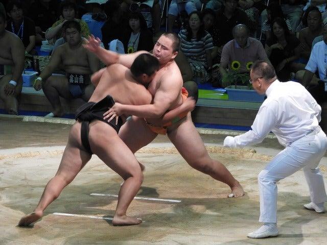 和歌山商・花田秀虎君(左)と埼玉栄・手計君(右)撮影:手束仁