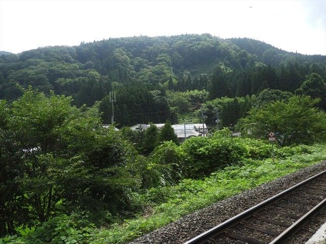 鳴子御殿湯駅からの眺め撮影: 手束仁