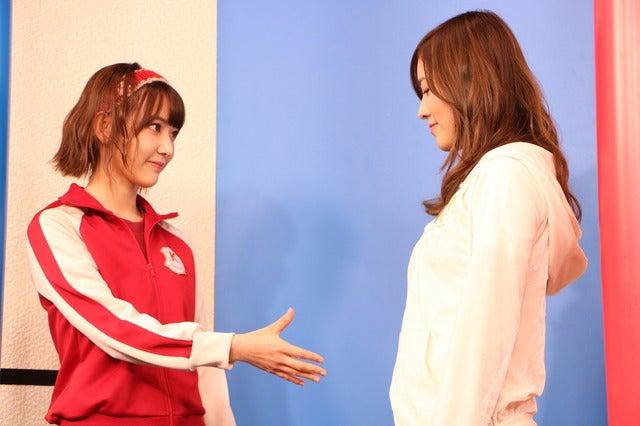 (左から)宮脇咲良(HKT48/AKB48)、松井珠理奈(SKE48)撮影:山本有莉