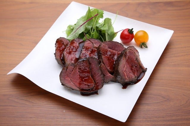ラグビー日本代表戦特別企画「カンガルー肉を食べて試合に臨もう!チケット」発売