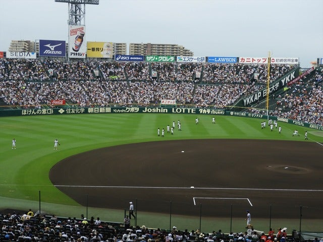 第一試合は甲子園でゆっくりとキャッチボールが出来る撮影:手束仁