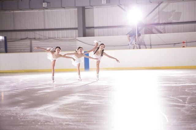 フィギュアスケート・本田3姉妹、息の合ったスケーティングでCM初共演!新CMオンエア