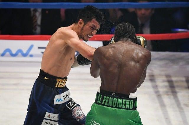 村田諒太がアッサン・エンダムにTKO勝利(2017年10月22日)(c) Getty Images