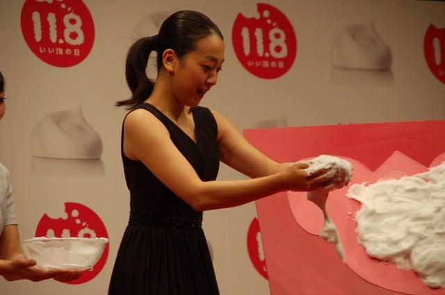 「いい泡の日」PRイベントに登壇した浅田真央(2017年11月8日)撮影:北川雄太