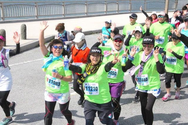 沖縄の海中道路を走る「あやはし海中ロードレース大会」4月開催