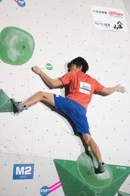 第13回ボルダリングジャパンカップで男子3位の楢崎智亜(2018年2月4日)撮影:五味渕秀行
