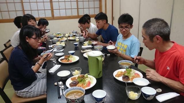 視覚障害の子どもを対象にした「クライミング体験キャンプ」が九州で開催