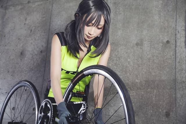 スタッフはサイクルジャージ女子!ロードバイク専門ジム&バー「CYCLE:HOLIC」5月オープン