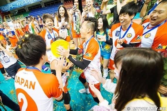 混合バレーボール国際大会で日本代表チームが銀メダル獲得