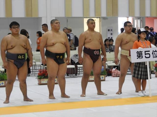 5位の表彰を待つ選手たち撮影:手束仁