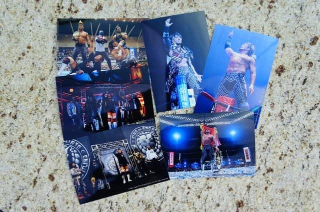 新日本プロレスがローチケ HIBIYA TICKET BOXをジャック…ベルトや等身大パネルを展示