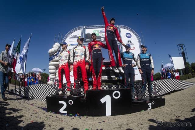 WRCメキシコ戦の表彰式。《写真提供 Red Bull》