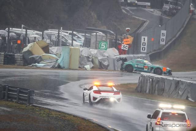 この日はモスSと呼ばれる区間で事故が多かった(写真は#50 メルセデスのアクシデント)。《撮影 益田和久》
