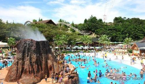 噴水火山を中心に広がり、冒険を楽しめるエリア「アドベンチャーマウンテン」