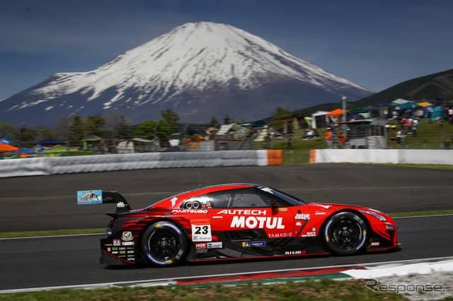 GT500クラスのポールを獲得した#23 GT-R。《撮影 益田和久》