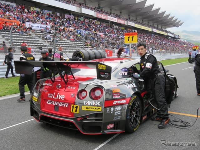 優勝する#11 GT-R。《撮影 遠藤俊幸》