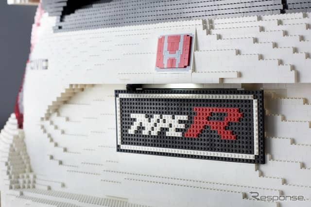 レゴブロックで製作された実物大のホンダ・シビック・タイプR