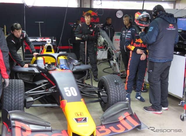 ドライバーたちは予選に向けて走行準備を進めていたが…(#50 L.アウアー)。《撮影 遠藤俊幸》