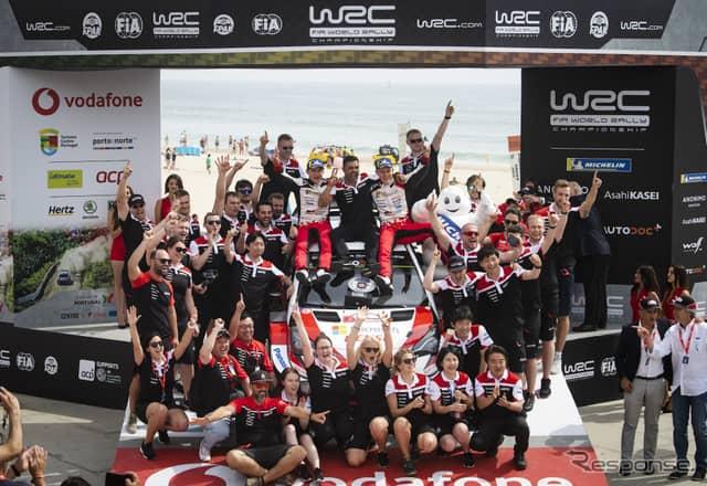 #8 タナクの勝利を喜ぶトヨタ陣営。《写真提供 Red Bull》