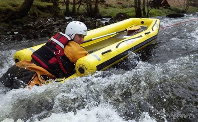 水難救助用ボート レスキュースレッド《写真 モリタ》