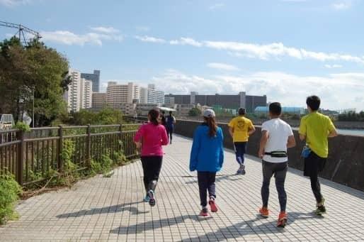 甲子園のグラウンドを走る!「阪神沿線駅交流 甲子園リレーラン」開催