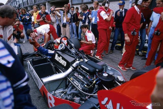 """1983年F1オランダGP、""""マクラーレンTAGポルシェ""""MP4-1Eに乗るラウダ。《photo (c) Getty Images》"""