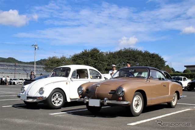 VWビートル(左)とカルマンギア(第100回フリーモーターミーティング)《撮影  内田俊一》