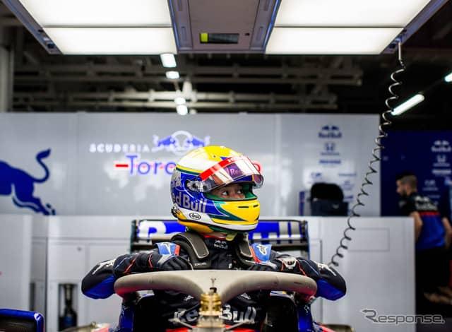 木曜日、翌日の走行への準備を進める山本尚貴。《写真提供 Toro Rosso》