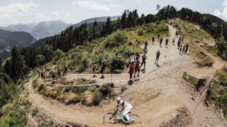 高低差626mのトリッキーコースを駆け下りる! UCI MTBワールドカップ第4戦見どころ
