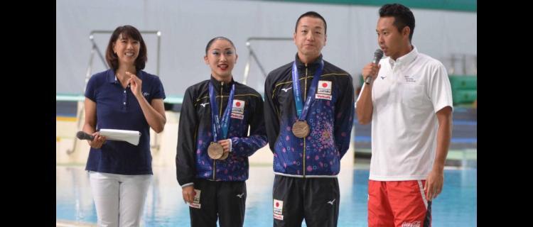 北島、寺川氏らが水泳指導、泳力検定会合格で認定証