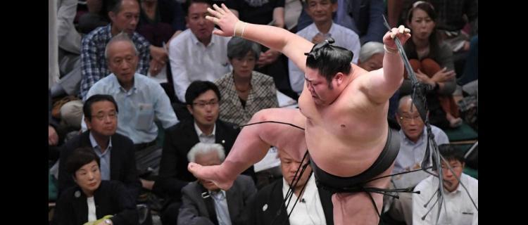 剣翔、新入幕勝ち越し 敢闘賞へ「何とかあと2番」