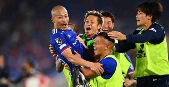 横浜が前田大然の劇的な決勝弾で2-1と競り勝つ